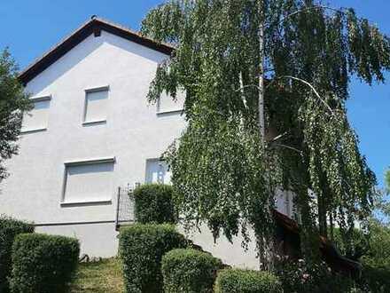 Gepflegte 5-Zimmer-Doppelhaushälfte mit Einbauküche in Winnweiler, Winnweiler