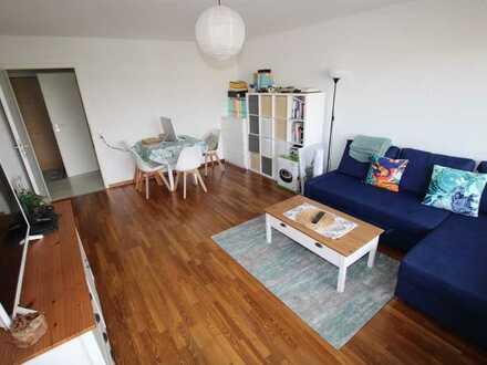 Schicke 2,5 Zimmer 56qm Wohnung im 6. OG mit herrlichem Ausblick mit TG und KG zu verkaufen