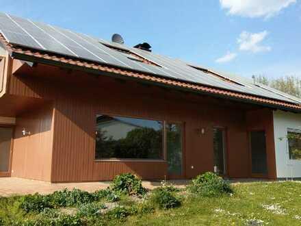 Erstbezug nach Sanierung mit Terasse: attraktive 5-Zimmer-Erdgeschosswohnung in Ried