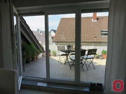 Dachterrassen-Feeling - Neuwertige und top ausgestattete 2-ZKB-DG-Wohnung mit großer Terrasse