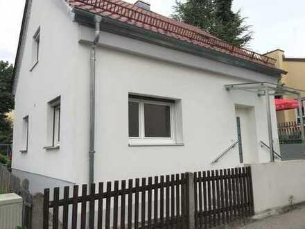 Schönes, kleines und saniertes 4-Zimmer-Einfamilienhaus zur Miete im Zentrum von Mering.