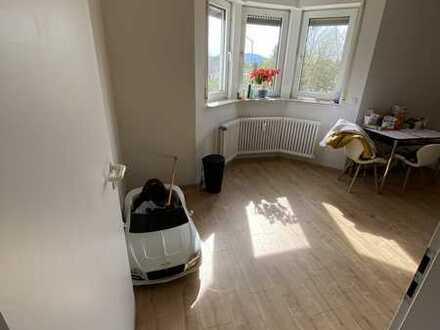 Große 4-Zimmer-Wohnung zu vermieten