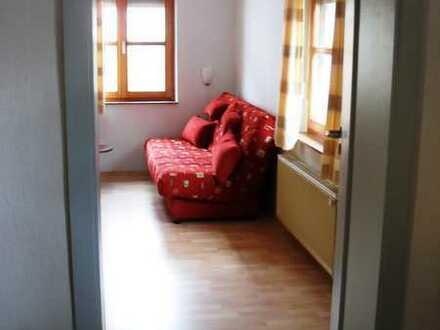 Schönes 18 qm - Zimmer in Guxhagen nahe Kassel/Melsungen Laminat