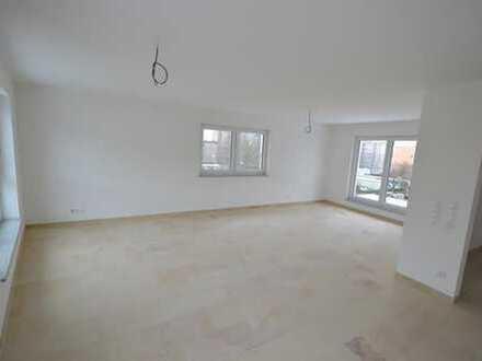 Neubau/Erstbezug! Komfort 2-Zi.Penthouse-Whg. mit Einbaukü. und 2 Dachterrassen 26m² in Neutraubl...
