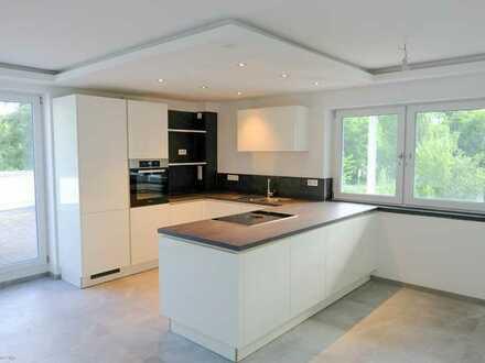 Erstbezug nach Sanierung mit EBK und Balkon: stilvolle 4-Zimmer-Terrassenwohnung in Mühltal