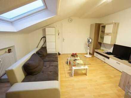 Helle & gepflegte 2 Zimmerwohnung (DG) mit Balkon in Bad Schwalbach!