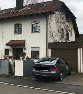 Schönes, geräumiges Haus mit vier Zimmern in München, Waldtrudering
