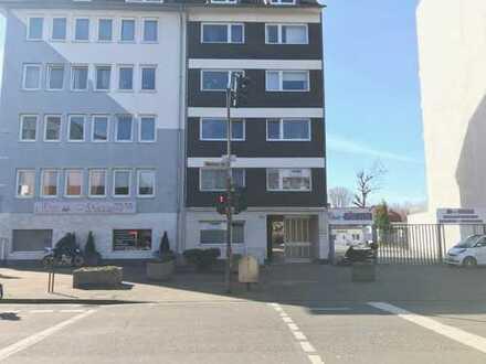 Wohnung (1.OG) und Gewerbeeinheit (EG+KG) in Köln-Nippes, Neusser Strasse mit 3 Stellplätzen z.vkf.