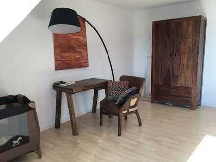 Stilvolle, sanierte 2-Zimmer-Maisonette-Wohnung mit EBK in Schwanthalerhöhe, München