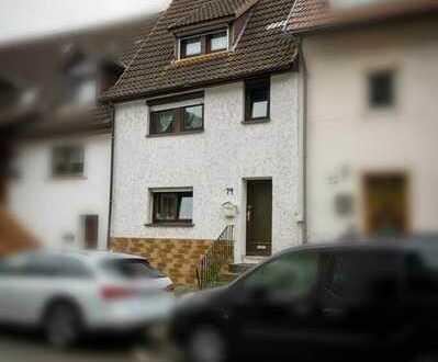 Wohnen am Neckar! Einfamilienhaus mit Gartenanlage in einer idyllischen Kulisse zu verkaufen.