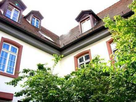 Fairmieten – In Neckarau zentral mitten im denkmalgeschützten Ambiente: 2-Zimmer-Maisonette
