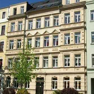 Dachgeschosswohnung über zwei Etagen mit großer Küche und Balkon