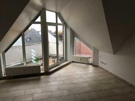 Vollständig renovierte 3,5-Zimmer-Maisonette-Wohnung mit Balkon und Einbauküche in Willich