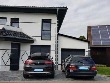 Neuwertige Wohnung mit vier Zimmern sowie Balkon und EBK in Helmstadt-Bargen
