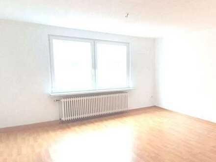 **Helle und frisch renovierte 3-Zimmer Wohnung in Gelsenkirchen- Schalke**