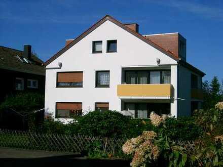 Gepflegte 1-Zimmer-Dachgeschosswohnung mit Balkon und EBK in Bielefeld