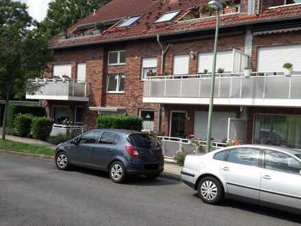 Dellwig: Schön geschnittene 2,5 R. - Terrassenwohnung mit Blick ins Grüne und Stellplatz