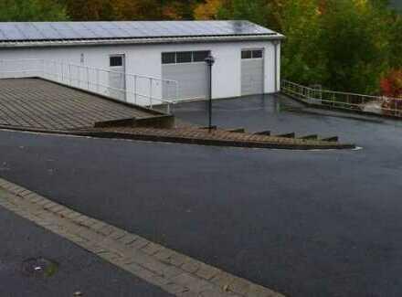 Werkstatt / Halle / Lager 2-stöckig mit Aufzug, WC, Büro