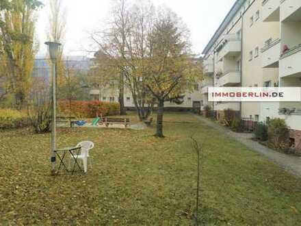 IMMOBERLIN: Charmante vermietete Wohnung mit ruhigem Westbalkon