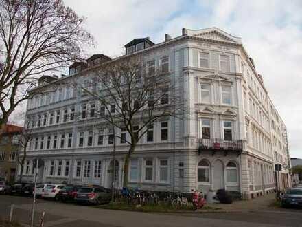 Uni, Schanze, Grindel mittendrin bis 31.07.2020, teilmöblierte 2-Zi-Wohnung mit EBK