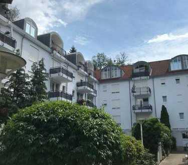 Sonnige 2-Zimmer-Dachgeschoss-Wohnung mit gemütlicher Loggia