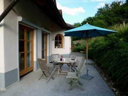 Vielleicht Ihr Traumhaus? Hochwertig ausgestattet, Kachelofen, Luxusbad, Sauna usw.