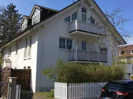 Gepflegte EG-Wohnung mit Gartenanteil und Stellplatz in Waldtrudering
