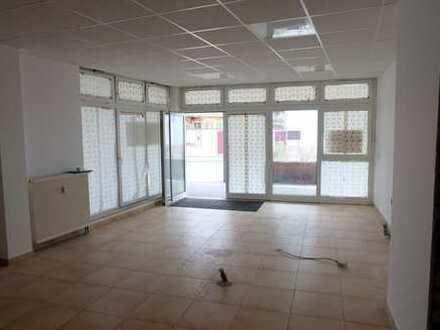 Frisch renovierte, gepflegte Büro, Laden, Ausstellungsfläche mitten im Ortskern