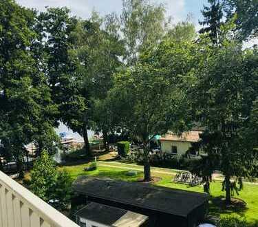 Exklusive 4-Zimmer-Wohnung mit Balkon und Einbauküche direkt am Glindower See