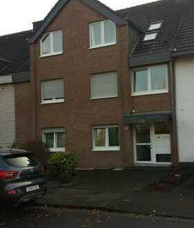Gepflegte 3-Zimmer-Wohnung mit Balkon in Köln-Porz