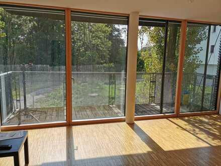 Gepflegte 2-Raum-Wohnung mit Balkon und Einbauküche in Gauting