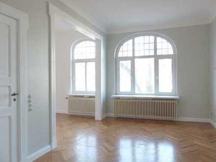 Herrliche Altbremerhaus 5-Zimmer Maisonette-Wohnung/Haus mit ausgebautem Dachboden.