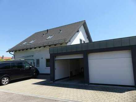 Sofort beziehbar ! Bj. 2010 - Top-Einfamilienhaus mit Doppelgarage in Top-Lage
