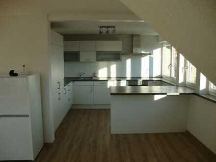 Schöne, helle 3-Zi.- Dachgeschosswohnung in Waldburg