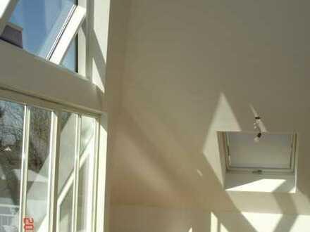 Traumhafte Dachgeschosswohnung in kleiner Wohnanlage