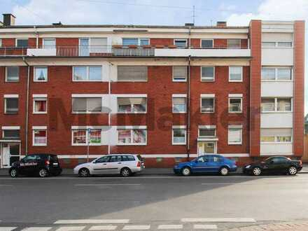 Vermietete u. modernisierte 4-Zimmer-Wohnung mit sonnigem Balkon in zentraler Lage