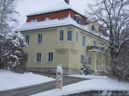 Exklusive 5-Zimmer-Wohnung mit Balkon und Garten in Riedenburg