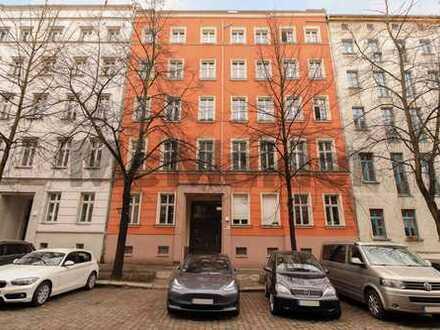 Für Handwerker: Apartment mit Altbaucharme und Gestaltungspotenzial in zentraler Lage von Berlin