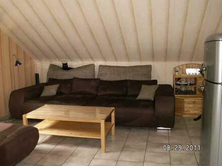 Helle 3,5 Zimmer Dachgeschoss-Wohnung in Hünxe Bruckhausen
