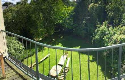 Schöne Zimmer frei in großer Altbauvilla im schönen Düsternbrook nahe der CAU und der Förde