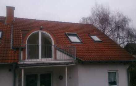 Gepflegte 2-Zimmer-Dachgeschosswohnung mit Balkon in besonders schöner Lage von Bruchköbel-Stadt
