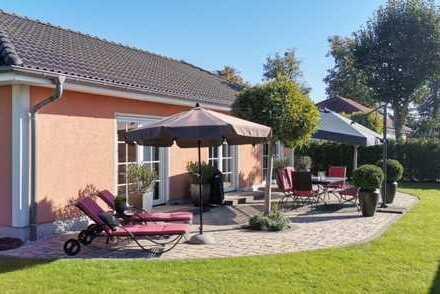 Einfamilienhaus mit wunderschönem Garten in zentraler Lage