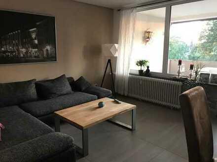 10qm Zimmer in 2-er WG mit Wohnzimmer und Balkon