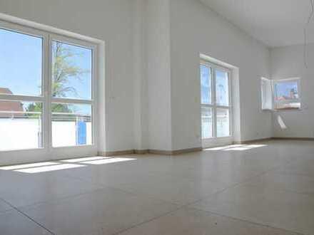 Moderne Penthouse-Wohnung in ruhiger Lage mit Fahrstuhl und hauseigener Tiefgarage