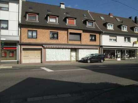 Ladenlokal mit großer Fensterfront von 9 m im Zentrum von Troisdorf-Spich