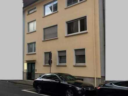 Schöne Wohnung mit Kamin in der Innenstadt im 1. OG