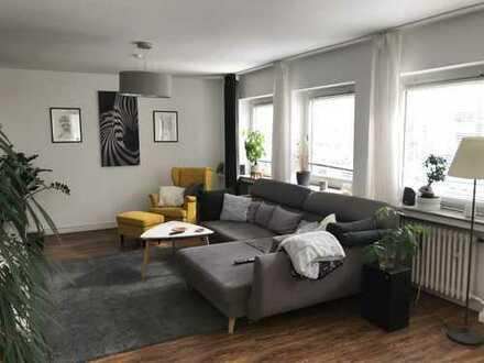 Wunderschöne 2-Zimmer-Wohnung mit Balkon und EBK in Bonn