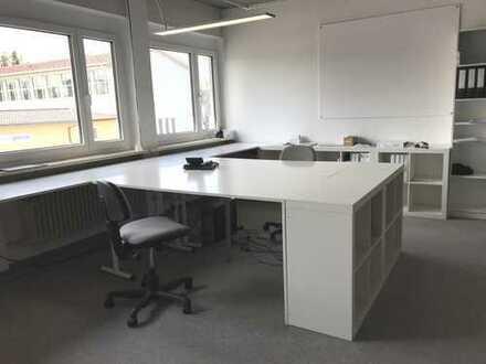 Büroarbeitsplatz, großzügig, hell in voll ausgestattetem Büro im Zentrum von Lindenberg (Allgäu)