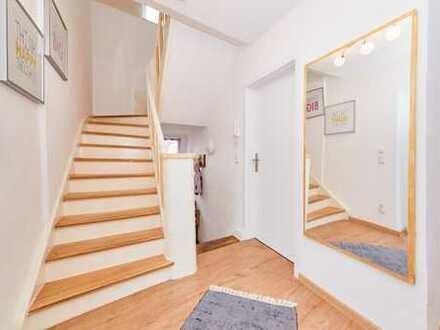 Vollständig renovierte 4-Zimmer-Wohnung mit großem Balkon in Wehlen // frei ab 01.01.2019