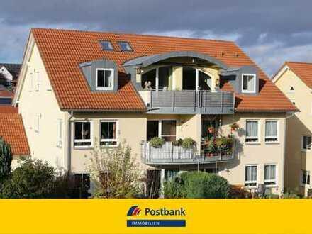 Viel Platz * Licht * Sonne * Ruhige Ortsrandlage: Große 2,5-ZW in einem schmucken 6-Familienhaus